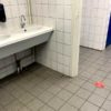 corona sticker handen wassen toepassing wc