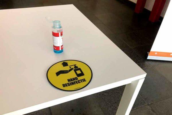 sticker handen desinfecteren verplicht