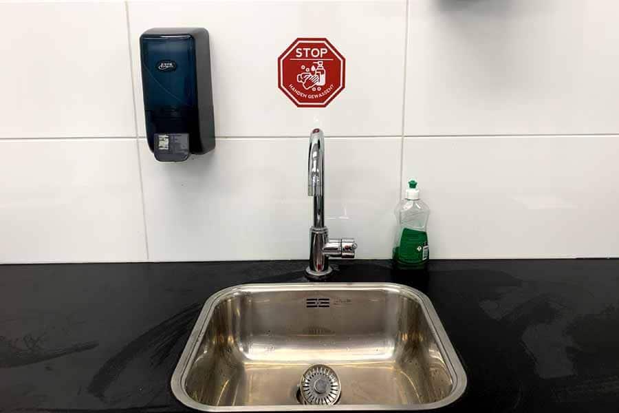 corona kantoorinrichting handen wassen corona sticker