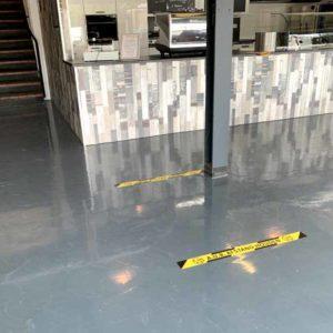 Corona vloersticker afstand houden vloer tape